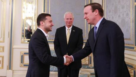 Американські сенатори зустрілися з Зеленським