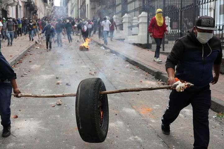 Еквадор, який очолює президент-комік, охопили масові протести з вимогою його відставки