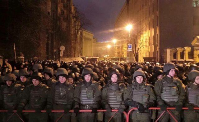 До Києва стягують Нацгвардію, гряде справжній Майдан: екстрене звернення Авакова