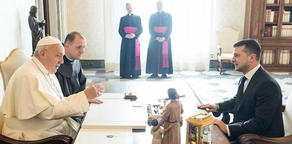 Навіть назвав мене президентом миру, — Зеленський про зустріч з Папою Римським
