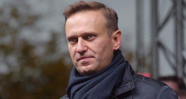 Навального отравили: он при смерти