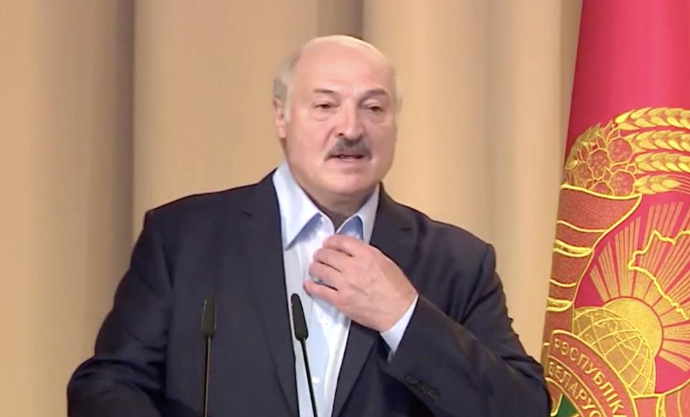 """""""Прибув на площу особисто!"""": Лукашенка засікли у центрі Мінська. """"Буде вмовляти білорусів"""""""