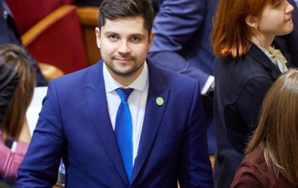 «Слуга народа» поддержал идею закупки вакцины в РФ