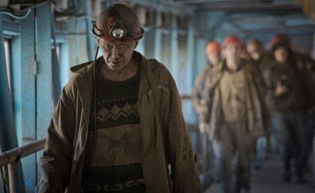 """Зеленський пообіцяв """"ліквідувати"""" в Україні вугілля"""