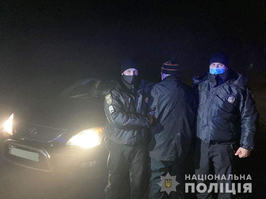 """Хоч раз у житті… На Чернігівщині 80-річний чоловік викрав """"Лексус"""" і катався на ньому, доки його не затримала поліція…"""