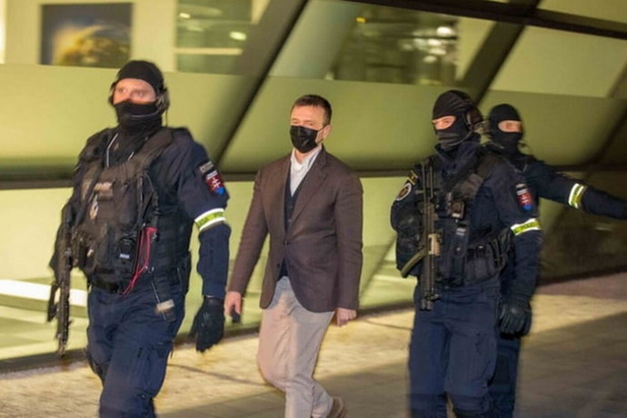 У Словаччині за звинуваченням у корупції затримали одного із найбагатших людей країни